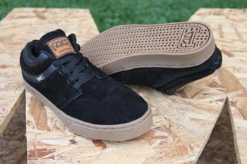 Zapatos Fade One Low Negros Suela Café